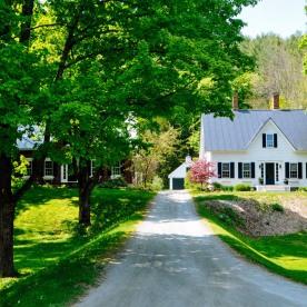 Cottage lane in New Boston